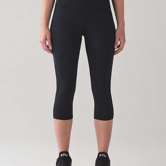 "lululemon athletica Pants - Lululemon Gear Up Crop (17"") - Size 4"